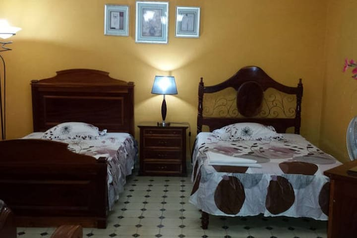Hostal Boulevard ( Suite Junior )