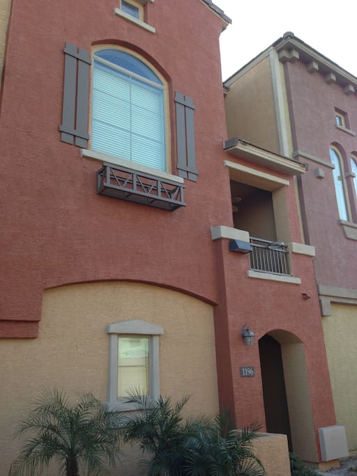 3 stories with 2nd floor balcony.