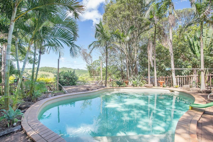 Paradise in Byron