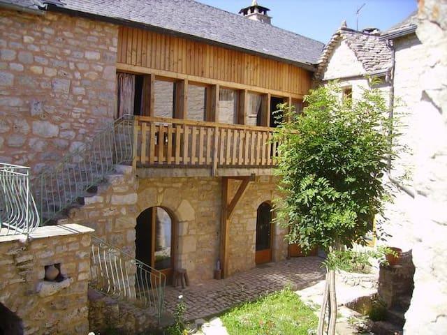Duplex indépendant dans gîte - Saint-Saturnin