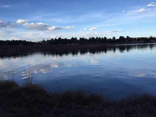 Country Lake Home near Springs, AFA