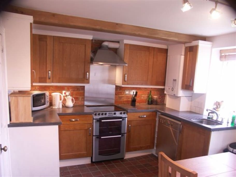 Fully fitted modern oak dining kitchen