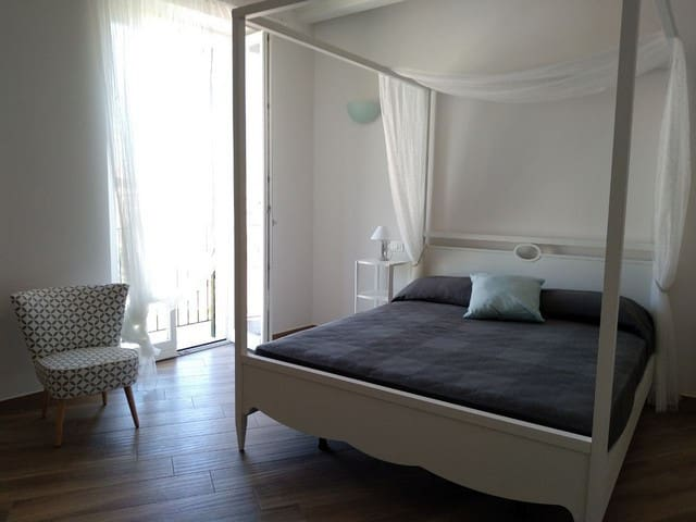 2° piano, camera da letto matrimoniale