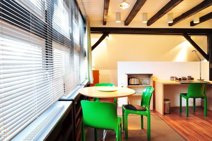 """Niedersachsen"" - comfortable suite - Hanover - Apartemen"