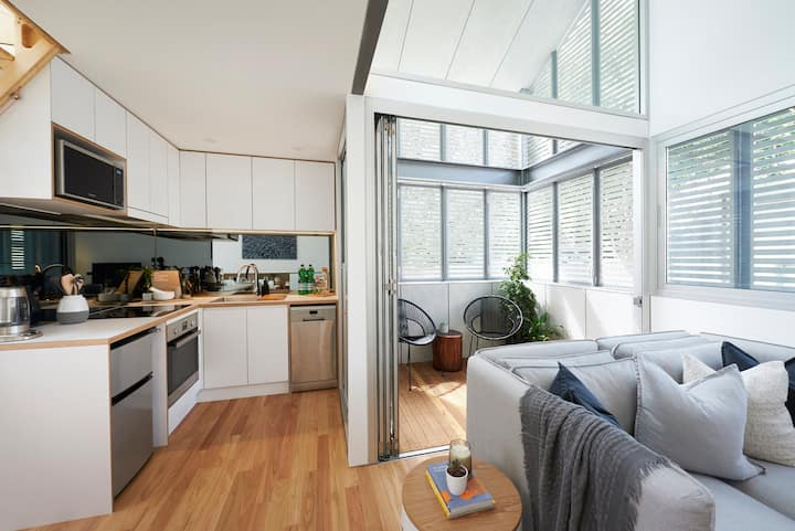 Gorgeous Glebe Loft Living