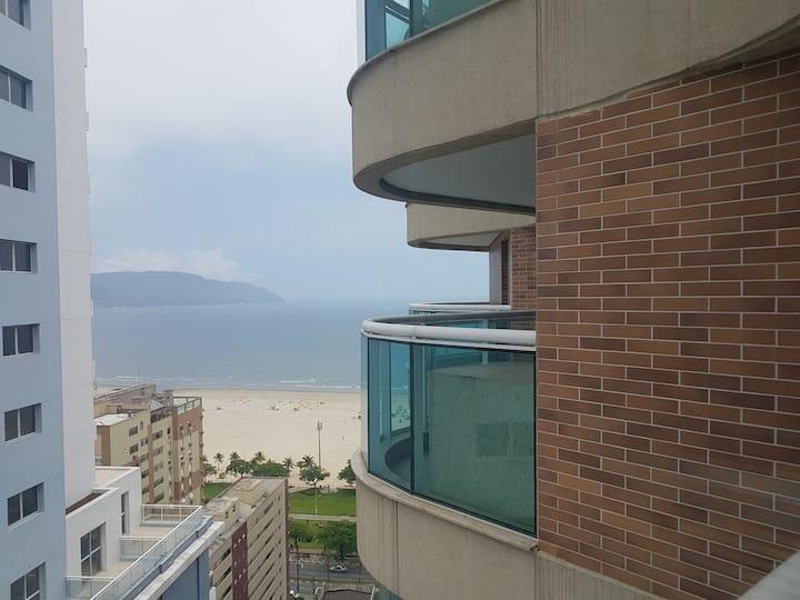 Estanconfor residencial com serviços e vista mar