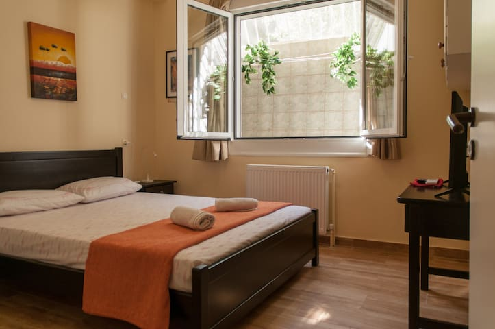 Lovely and quiet city center apartment