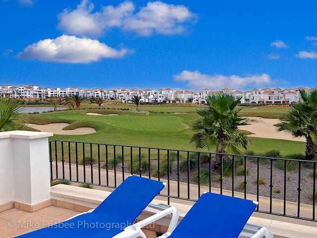 Frontline townhouse in Murcia. - Torre-Pacheco - House