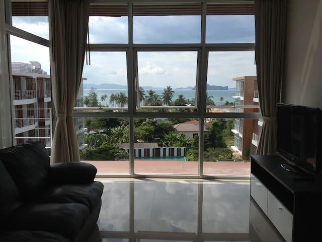 Beautiful sea view 2-bedroom condo