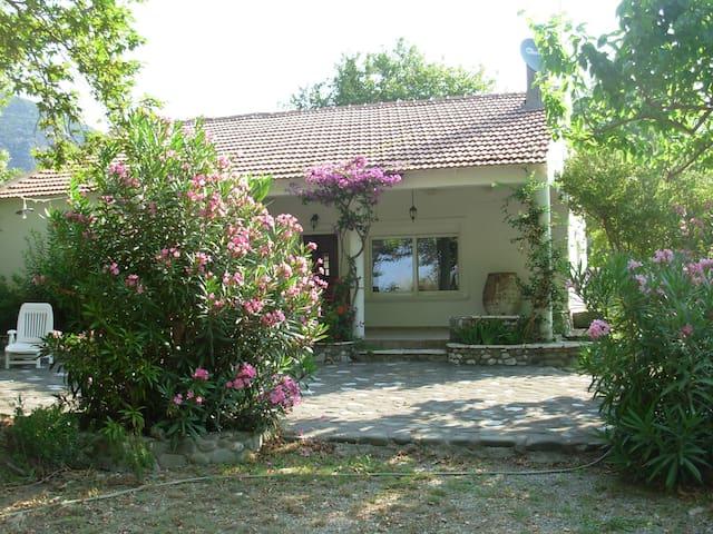 Goitia | Seaside villa | Skaloma Nafpaktos - Marathias - Casa