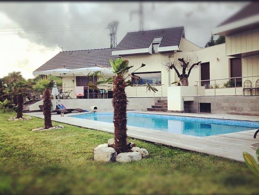 Villa d 39 exception avec piscine en combe de savoie for Piscine albertville