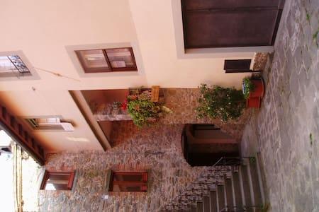 A large Italian house in Barga   - Barga - Talo