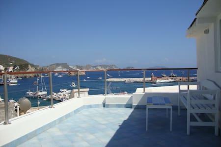 la mansarda sul mare - Ponza
