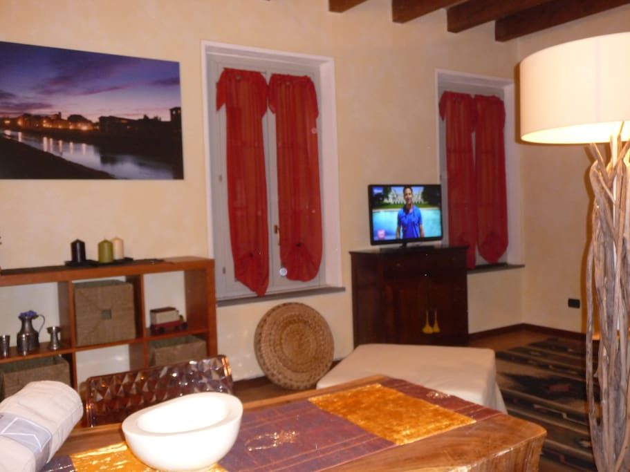Parmaduc monolocale centro storico appartamenti in for Appartamenti arredati in affitto a parma