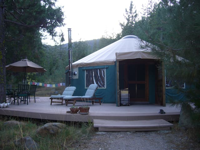 Creekside Yurt at Mount Shasta