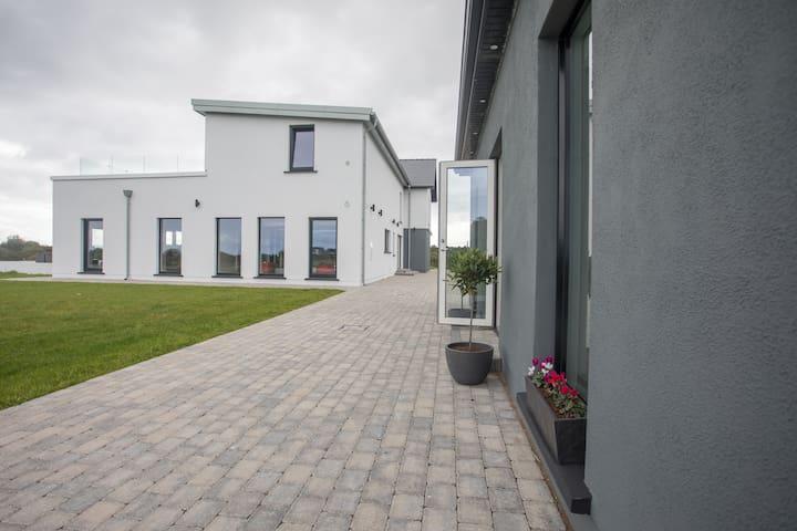 Barna Garden Suite
