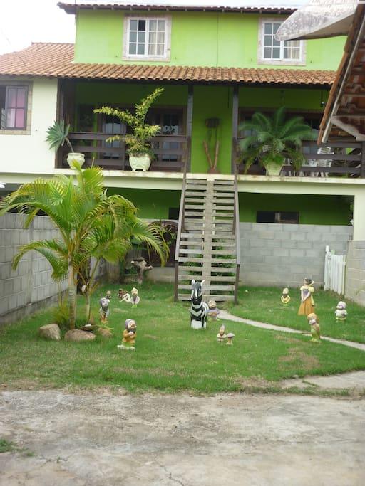 Jardim com garagem