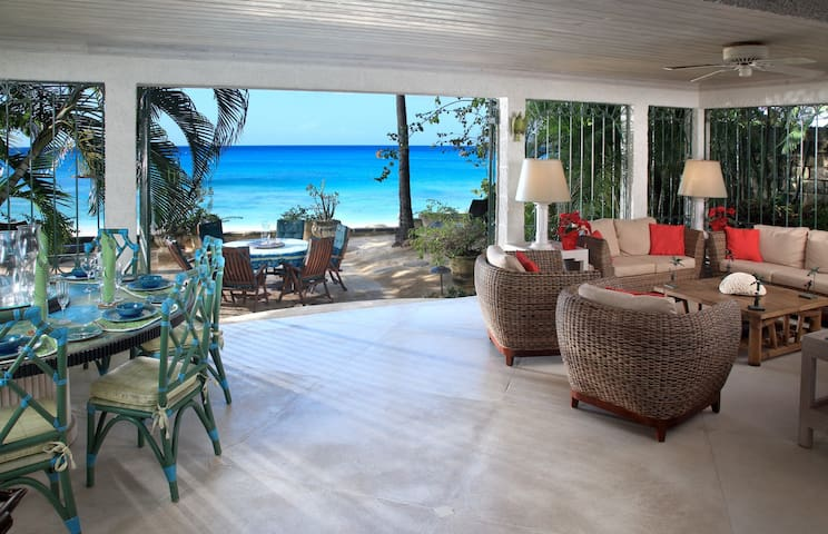SEASCAPE VILLA - BEACH FRONT - 4 BEDROOMS - Lower Carlton - Villa