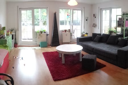 Berlin-Frohnau: furnished apartment 03-Aug-03-Sep - Берлин