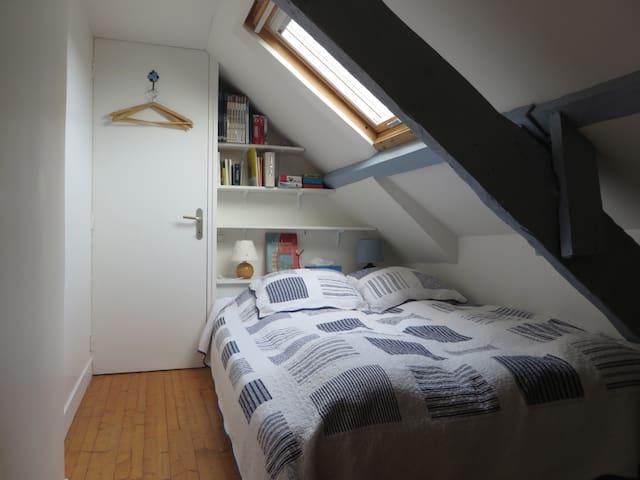 Chambre en mezzanine - couchage 140