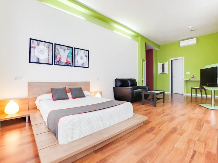 Double Room + Extra Bed Hotel Parque Empresarial