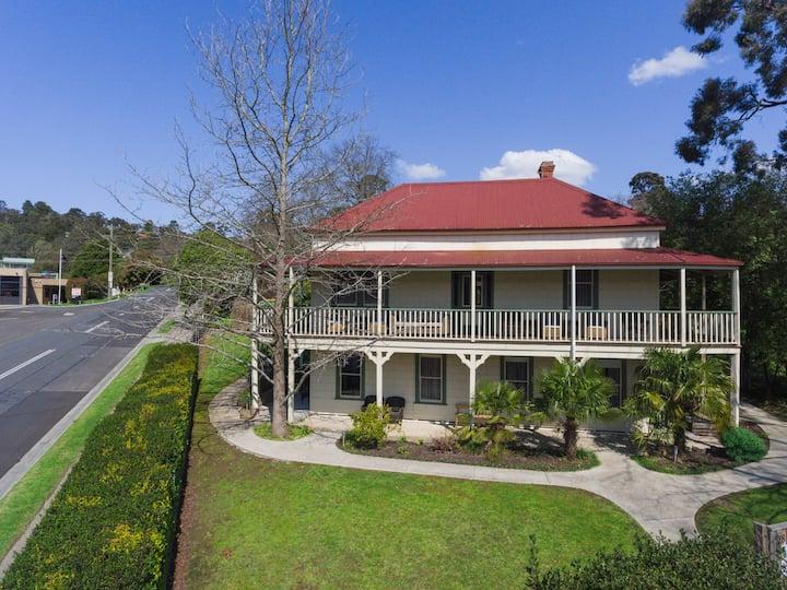 Healesville Garden Grandview (10 Bdrms /22 guests)