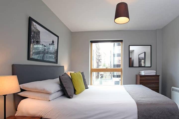 1 Bedroom Apartment + Sofa Bed. Sleeps 4