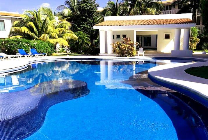 2 BR Playa Residential w/access The Reef Playacar*