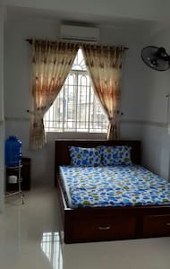 ROOMS IN DOWNTOWN, LOCALLY CENTRAL! - Hô-Chi-Minh-Ville