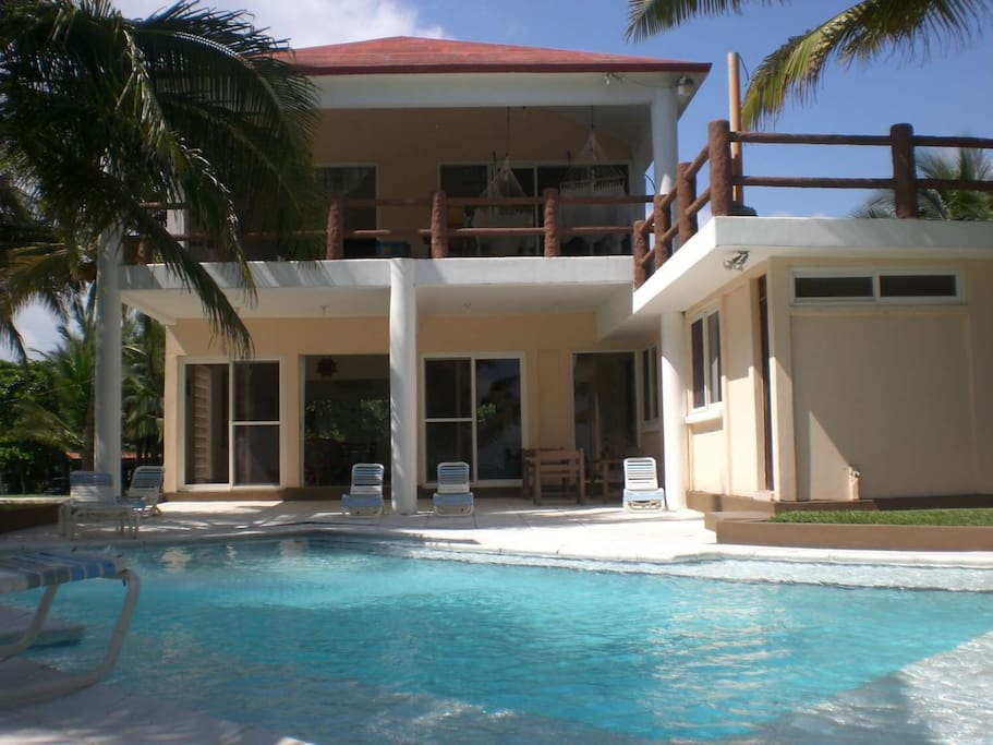 Casa de playa con piscina privada casas en alquiler en for Casa con piscina privada alquiler