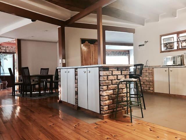 Spacious Open-plan Family Home