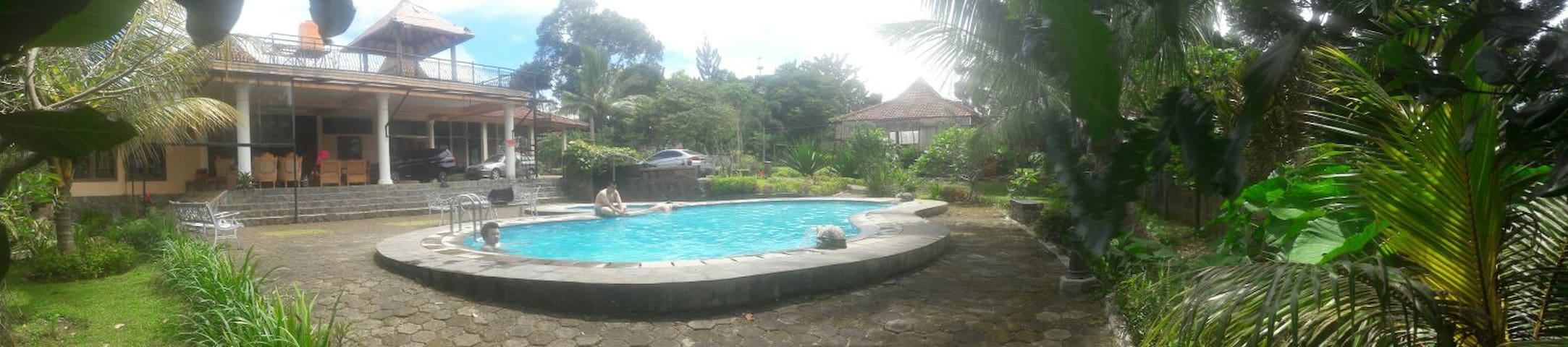 Villa Keraton (5 bedrooms villa in megamendung) - Megamendung - Dům