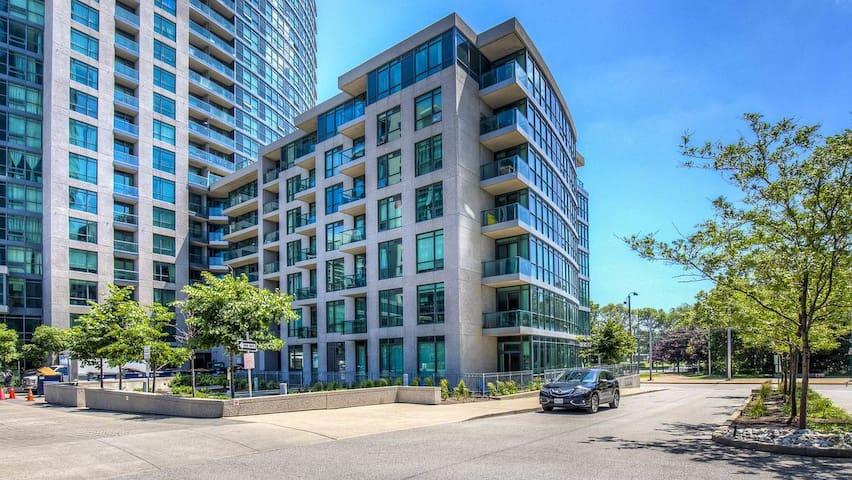 Town Flats Neptune Premier Condo Downtown Toronto