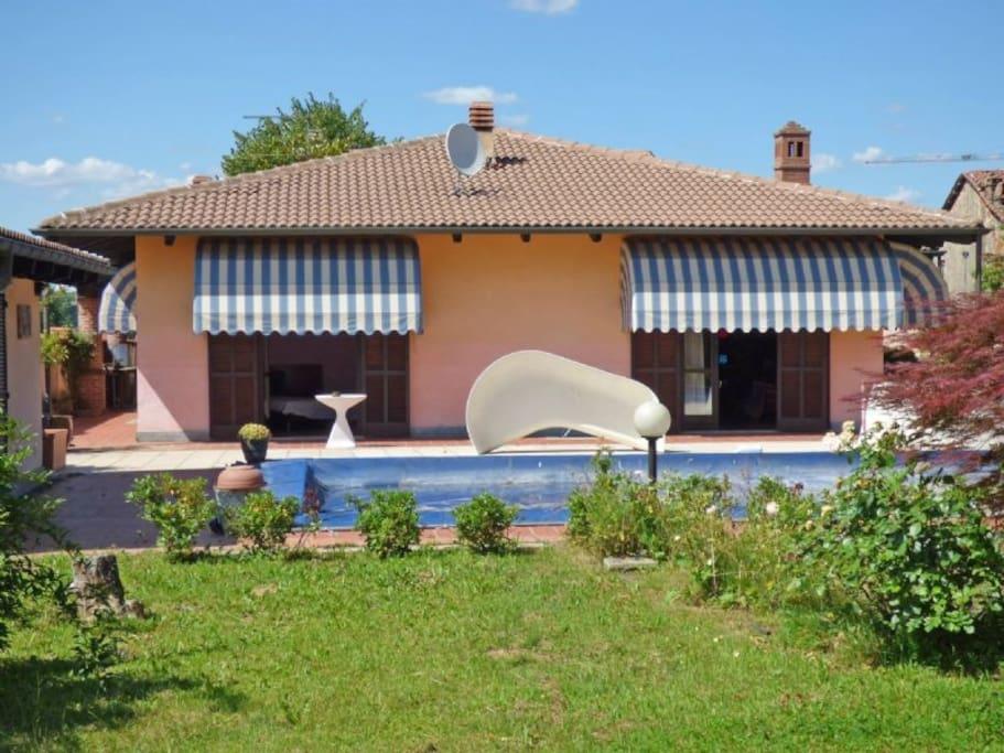 Parco con villa e piscina case in affitto a dusino san - La casa del barbecue brescia ...