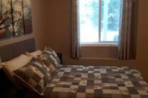 single room - 2 beds , 1 double room, 1 queen room