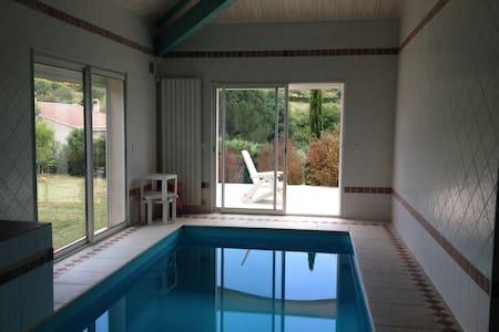 Très belle villa spacieuse - Montfrin - Villa