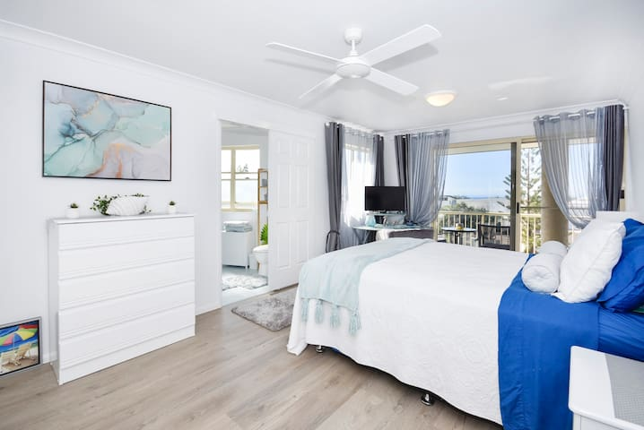 Master Bedroom - Queen Bed, with ensuite and ocean views