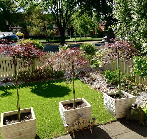 Lovely Lake Wendouree Neighbourhood - Wendouree - Townhouse