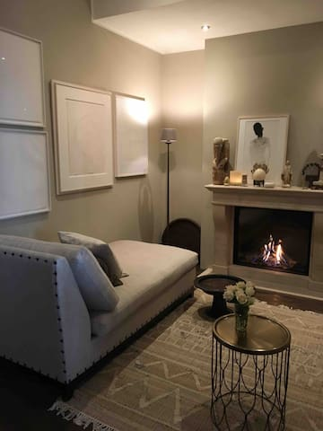 2 very comfortable sofa's to relax with fire place and Netflix!