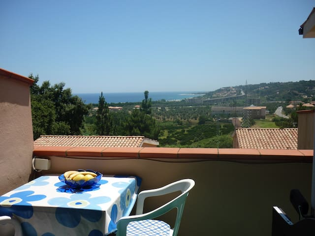 The Calabrian Sun Awaits You - Montepaone Lido - House