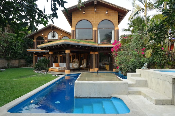 """Casa Gabriela"" Cuernavaca Sumiya"