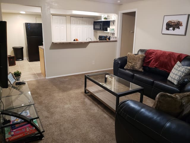 Cozy Newly Remodeled Basement Apartment