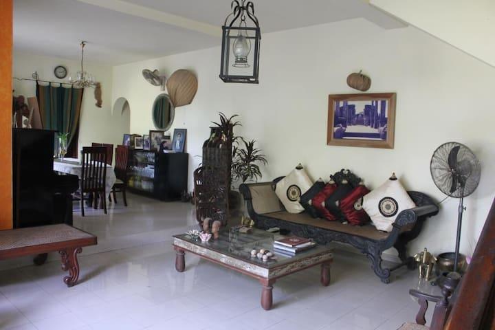 Romesh & Dilkies Homestay - Sri Jayawardenepura Kotte - Casa
