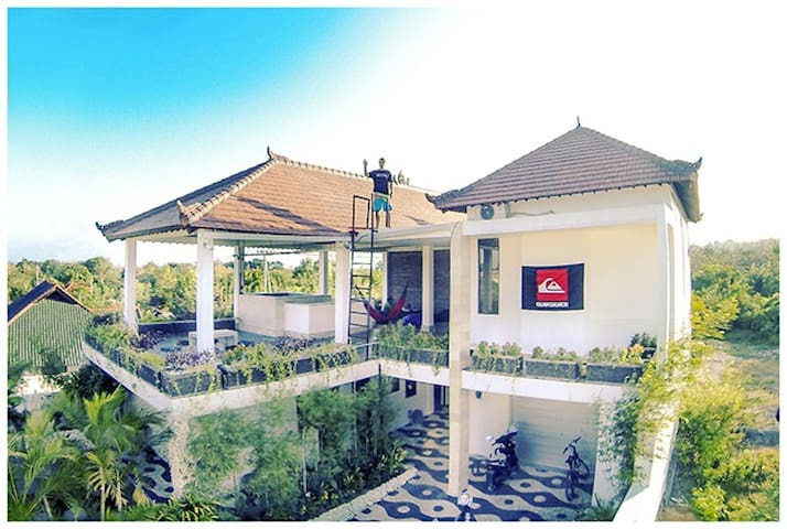 Double room,shared bathroom AC no.1 - South Kuta - House