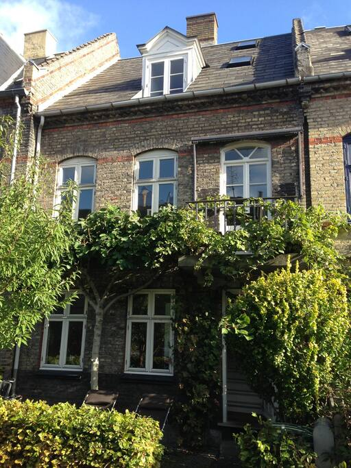 Attractive Townhouse In City Centre Houses For Rent In