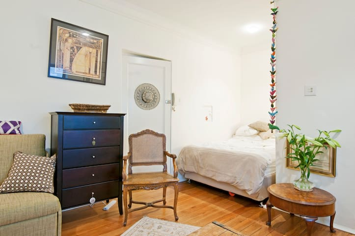 Studio in heart of Potts Point