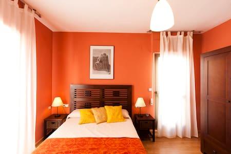 Artist's Loft--Granada Metropolitan - Churriana de la Vega