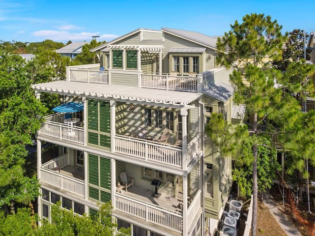Perfectly Location Multi- Level Condo in WaterColor, Slps 4, Steps to Beach Club