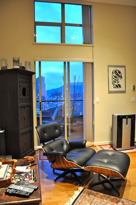 Living Room: West Deck with Cypress Mountain