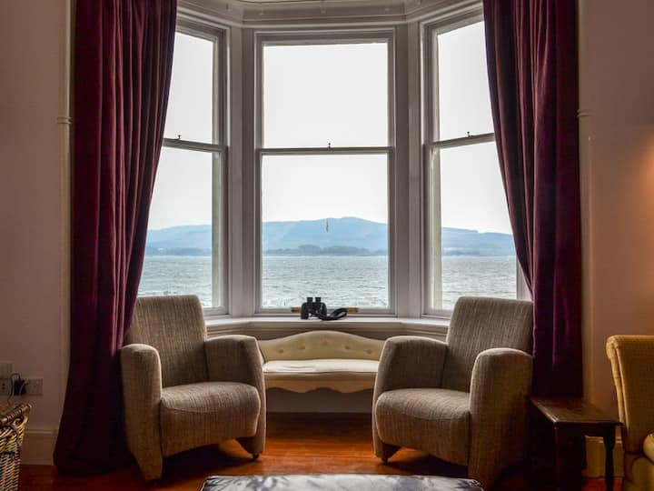 Fircliff - The House on Bute (UK11214)